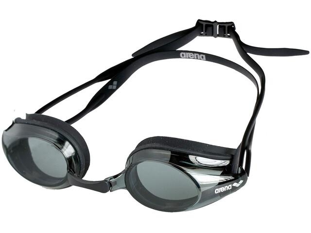 arena Tracks Simglasögon svart - till fenomenalt pris på Bikester c28967f448bc3